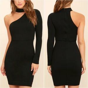 🎀NWT🎀 Lulu's One Shoulder Mock Neck Dress
